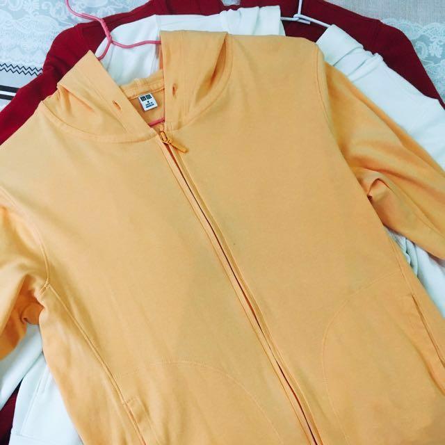 Uniqlo 橘 /lativ紅白 連帽棉外套 #我有UQ要賣