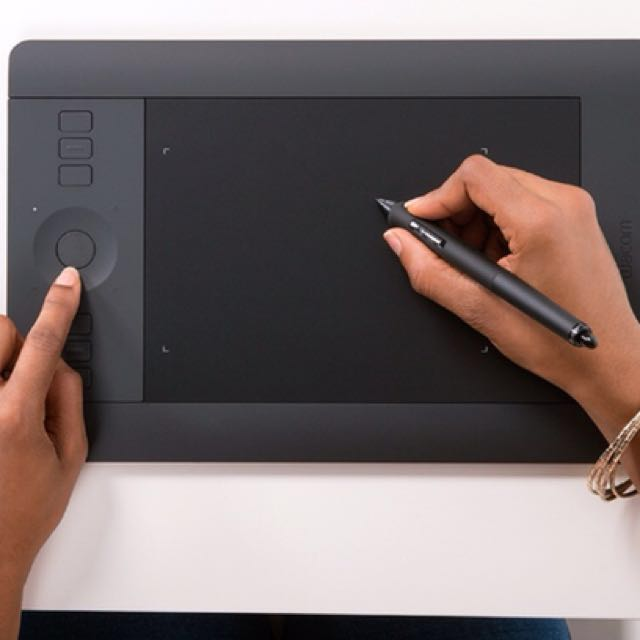Wacom Intuos Pro Medium Tablet