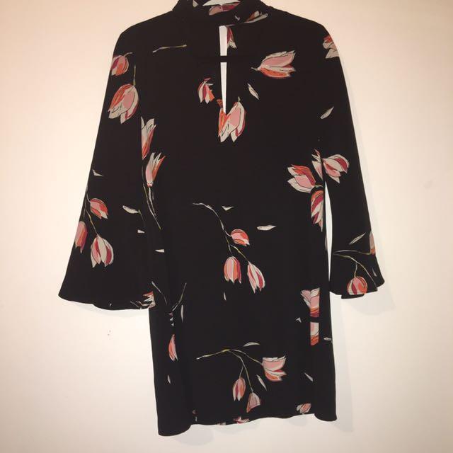 Zara s-m V neck dress