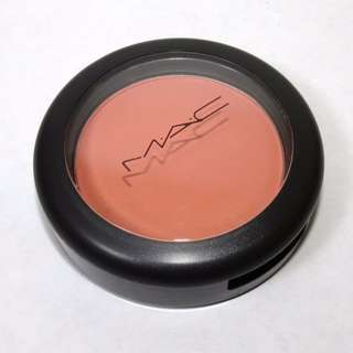 MAC Sheertone Blush in Peaches