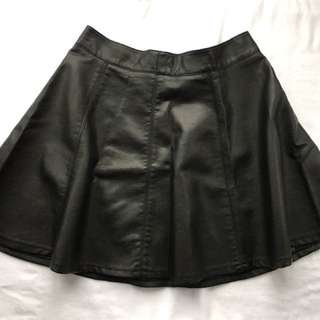 H&M Faux Leather Skirt - size 6