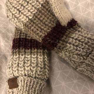 Roots Chunky Knit Mitts