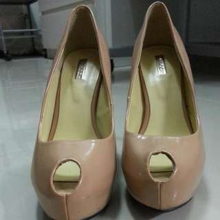 Vincci+ Leather Nude Peep Toe Pump Heels