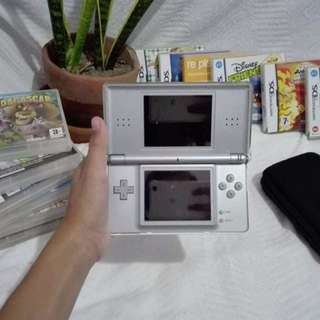 DS Nintendo Lite With Free 14 Games