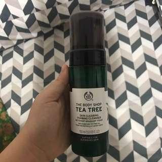 The bodyshop tea tree foaming cleanser