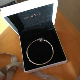 SALE Pandora Limited Edition Bow Bangle Size 17