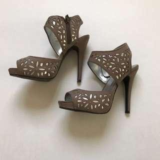 Pulp Brown Heels