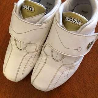 Pre love Lacoste kids leather shoe. Size UK12. EU30.5. US14