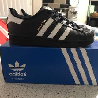 Adidas Superstar- Black Size 4 US