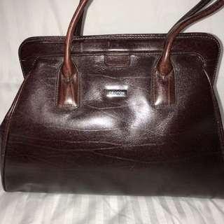 Oroton hand bag