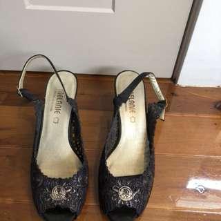Black and gold Melanie heels