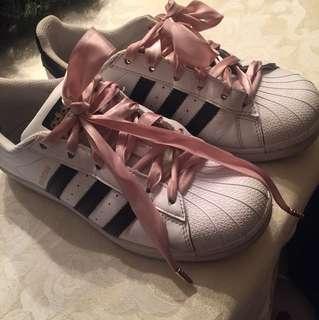 Adidas superstar size 6
