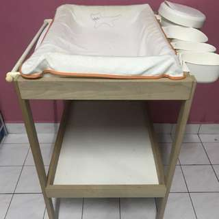 Babh Changing Table