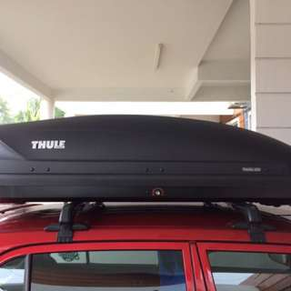 Thule Roof Box Pacific 200 & Roof Rack