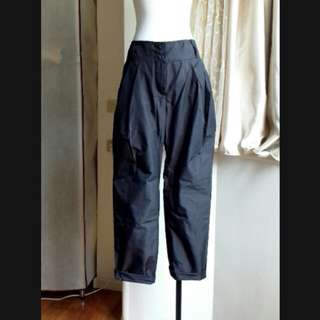 iRoo  風衣材質 寬鬆老爺褲