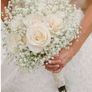 Roses and Baby's Breath Flowers Hand Bouquet
