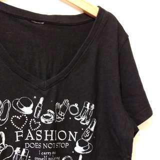 🚚 V領T恤