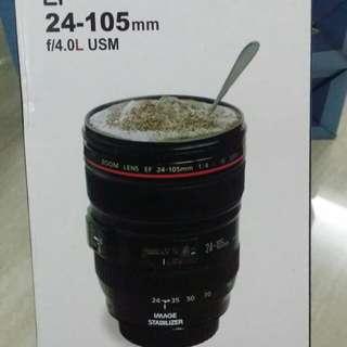 Cawan berbentuk lens