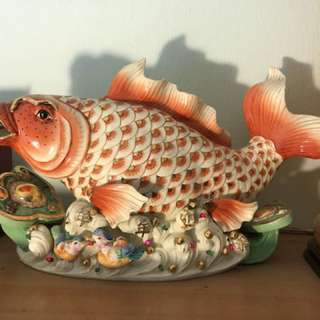 Porcelain fish with blinking light