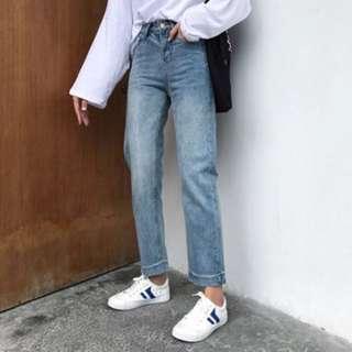 淺藍灰牛仔闊褲