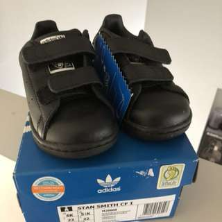 New adidas Stan smith kids triple black 6K