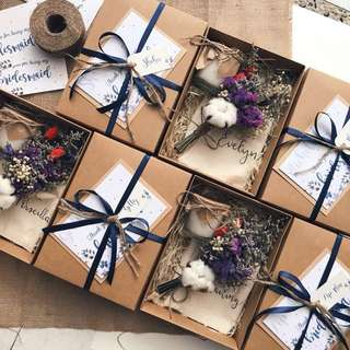 Kraft box with lid bridesmaid kit bigger dried flower posie