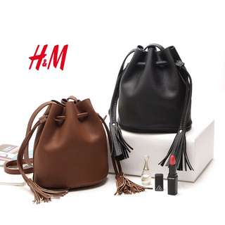 [INSTOCKS] BLACK TASSEL BUCKET BAG