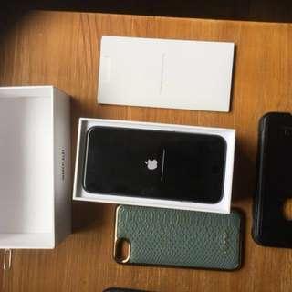 Mint iPhone 7 w box, 128gb,2 case (otter & Korean)