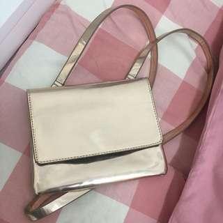 MONKI Strap Bag