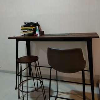 Meja bar/meja makan informa + 2 buah kursi bar