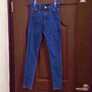 🚚 合身牛仔長褲