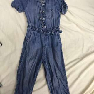 H&M Jeans Jumpsuit in size 4-5y