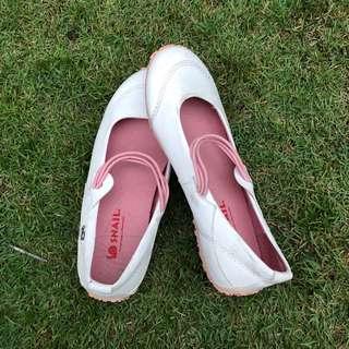 Snail Women's footwear