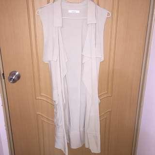 (降價)杏色米色長版無袖背心風衣罩衫