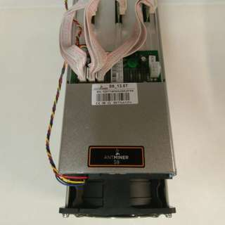 BitMain Antminer S9 13.5 TH/s with APW3++ PSU