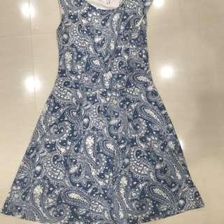 FOND dress L size