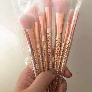 7 piece Rose Gold Mermaid Tail Makeup Brush Set