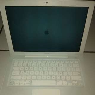 Laptop Aplle Macbook 4.1 white