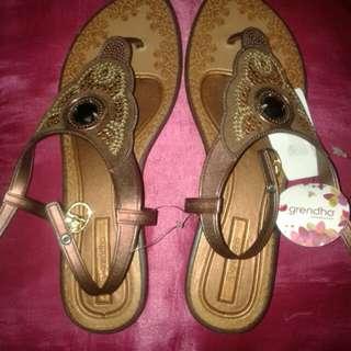 Grendha Grendene Bronze Brown Sandals size 10 (usa) / 41 - 42 (eur)