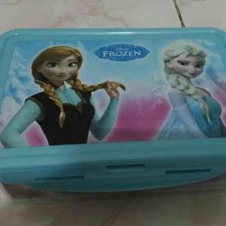 Tempat Makan Frozen Ace Hardware  Baru Yaaaa  Lagi Diskon Normal Price 59.900 Diskon 25.000