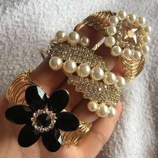 Black Flower & Gold Bangle Bracelet - adjustable