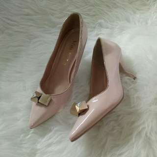 Hells pink nude import
