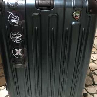 義大利品牌 miatoro  24 吋行李箱登機箱