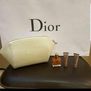 🚚 Dior化妝包+旅行組