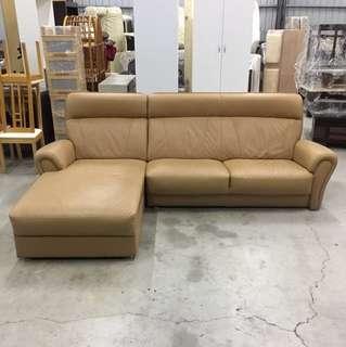 咖啡色半牛皮 L型沙發