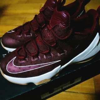 LBJ  LeBron James  NIKE 球鞋