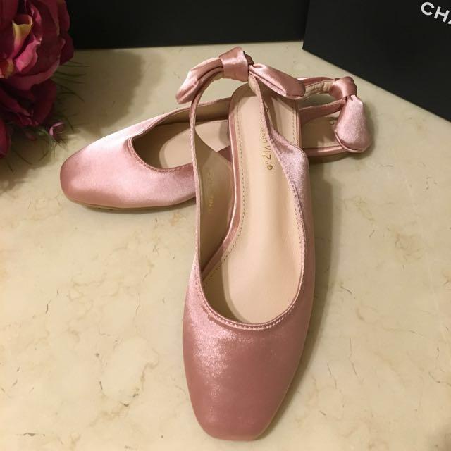 正宗韓貨芭蕾舞娃娃鞋(尺寸35號)全新品❤️免費贈送,但需自付運費喔❤️