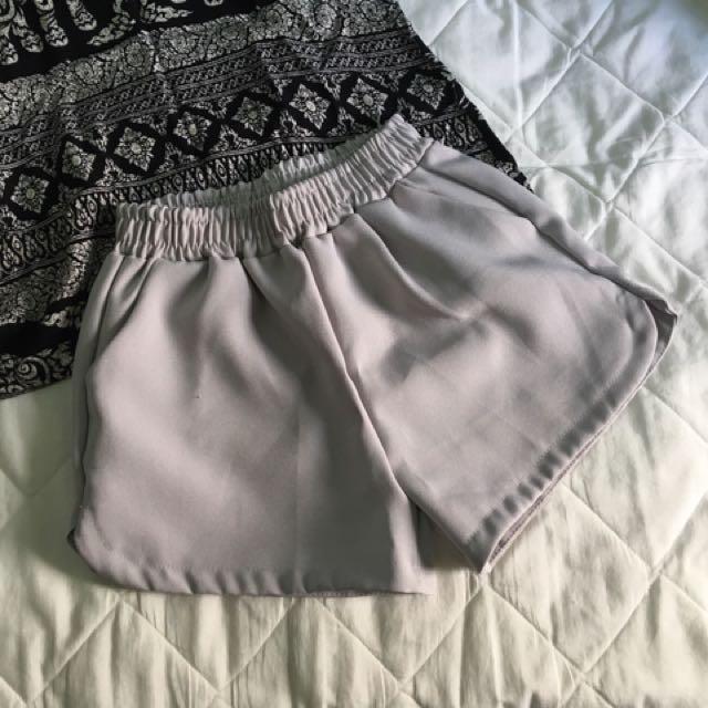 灰色彈性短褲