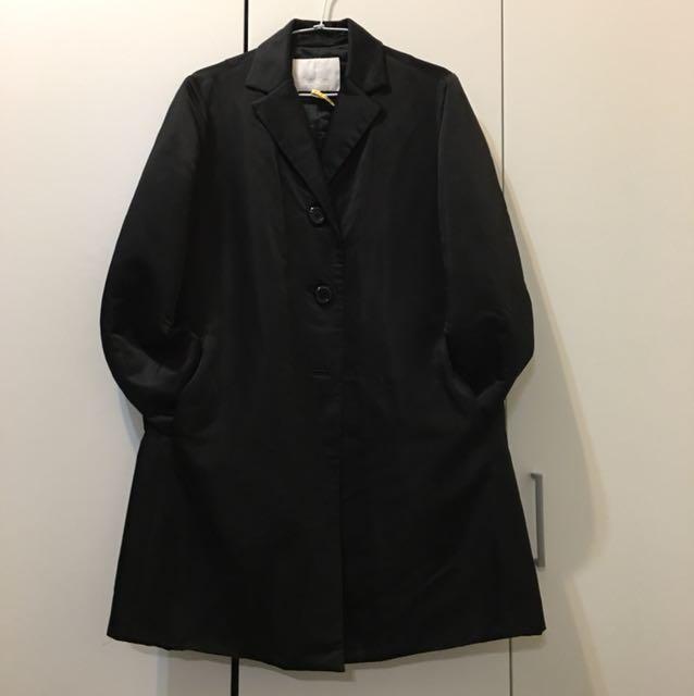 夏姿黑色鋪棉外套