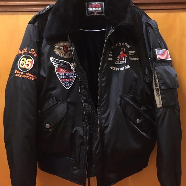 🙏🏻出清降價便宜賣唷! 🚹(男)黑色徽章絨毛飛行夾克✈️
